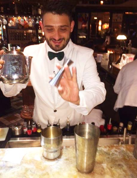 THE IVY SOHO BRASSERIE-cocktail-mixologist-Wine-Confidante-review.jpg