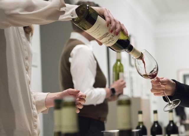American-wine-tasting-RAoA.jpg