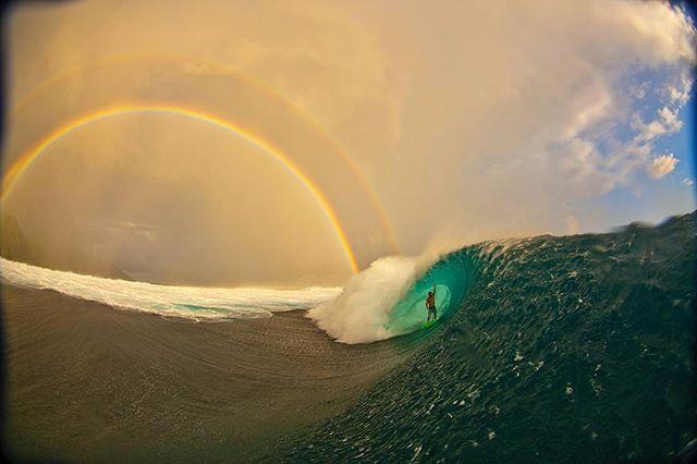 Aloha Friday 🤙🏻 📸: @zaknoyle