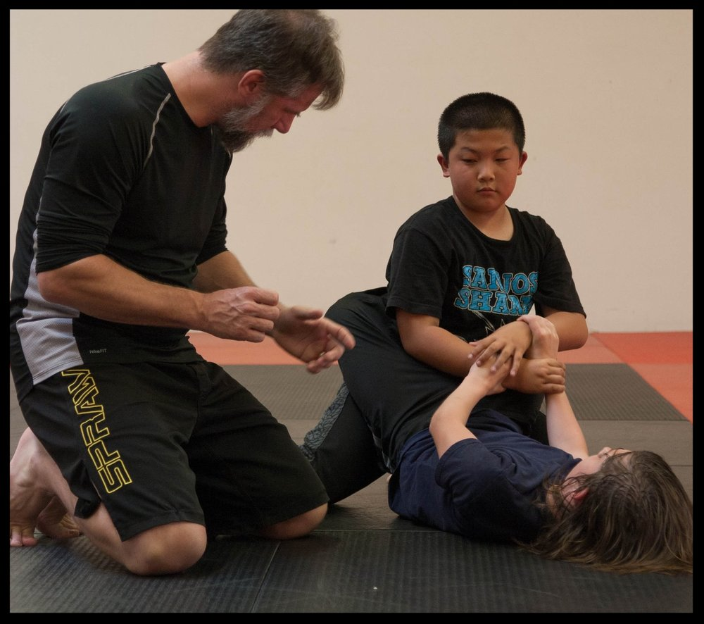 Kid's Grappling 2.jpg