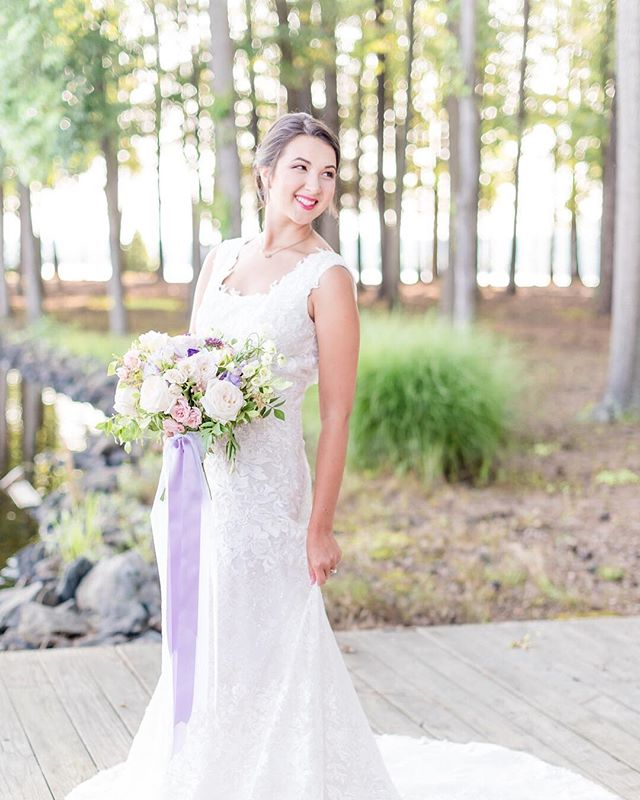 Love this photo and the beautiful lavender ribbon cascading off of the bouquet! 😍 |📷@remythompsonphotography | 💐 @blackcreekflowers . . .  @hisorherssalon @sealedwithakissbridal @sorbellocouture #richmondwedding #Richmondweddings #RVAwedding #Richmondweddingplanner #RVAweddingplanner #wedding #southernwedding #Virginiawedding #Virginiaweddingplanner #vawedding #vaweddingplanner