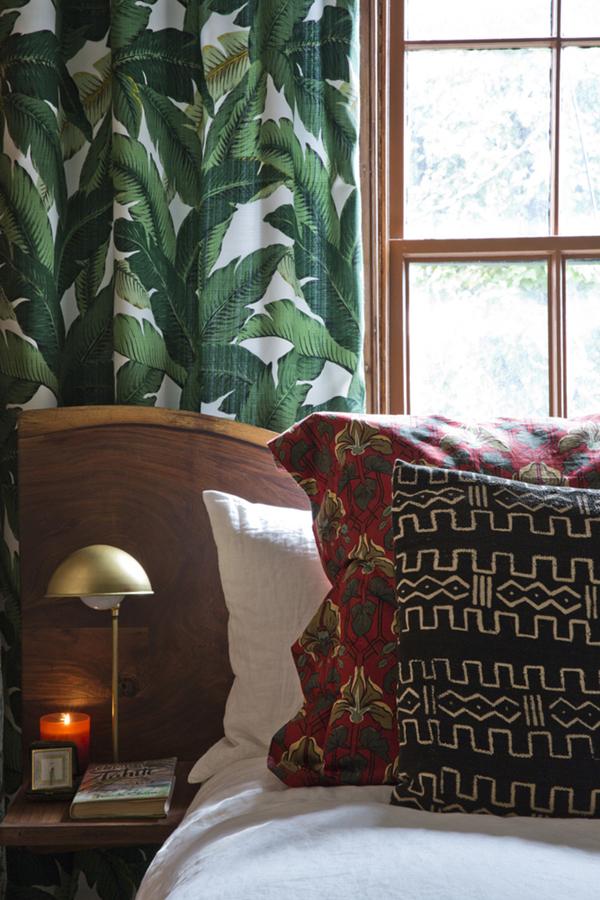 robert-mckinley-pattern-mix-in-the-bedroom