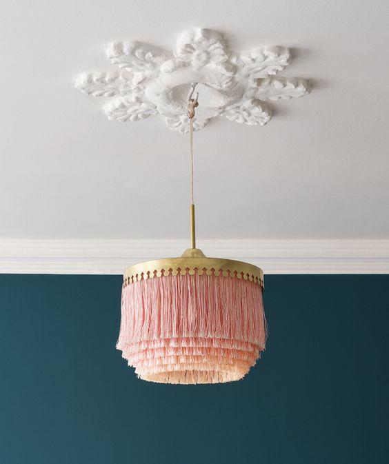 diy-fringe-lamp