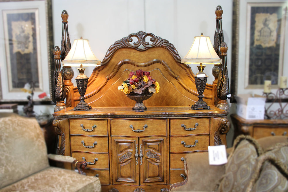 4 Piece King Wood Bed Suite