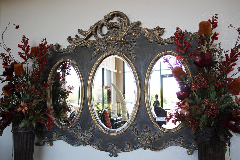 Tripple Mirror in Gold Frame