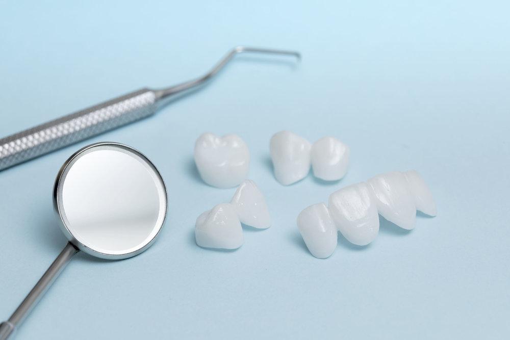 Dental Tools & Dentures