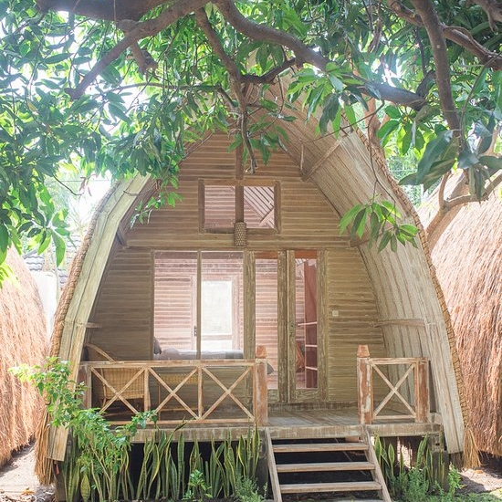 PACKAGE 1 - Shared Hut (4 People Max)  Features: Private Bath, AC, Shared Room, and Meals