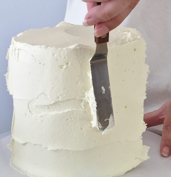 Frosting a cake 2.jpg