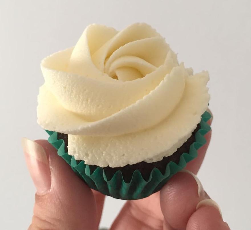 Mini Cupcake Vanilla BC.jpg