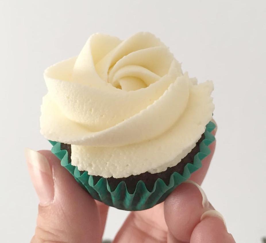 Mini-Cupcake-Vanilla-BC.jpg