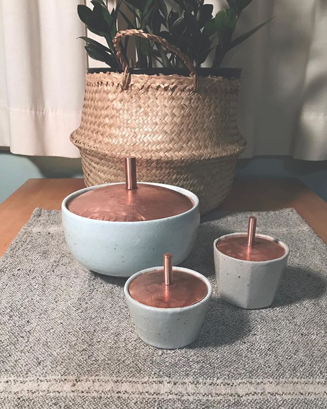 Sets and individual pieces are for sale at @saltandhoneymarket. This handmade ceramics ready for a new home for the holidays and makes a great gift. If you're in Jackson stop and check out @mountaindandy for a bunch of new lidded jars. ————————————————————————#handmadegift #ceramics #slcartist #mixedmedia #clay #copper