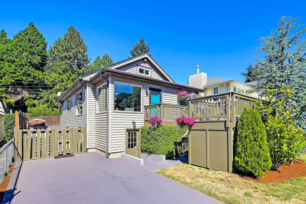 Listing: 4139 47th Ave SW, Seattle | List Price: $699,000 | Sold Price: $700,000