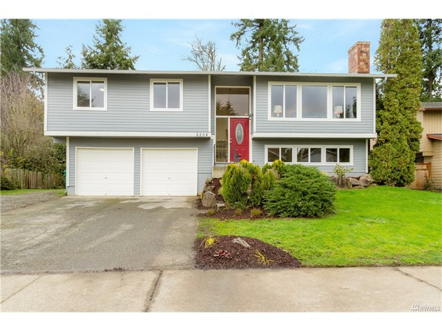 Buying: 2204 SW 306th Place, Federal Way | List Price: 369,998 | Sold Price: $377,000