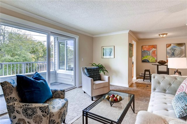 Listing: 2421 SW Trenton #202, Seattle | List Price: $210,000 | Sold Price: $213,000