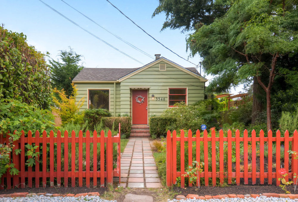 Listing: 3546 SW 99th St, Seattle | List Price: $389,000 | Sold Price: $415,000