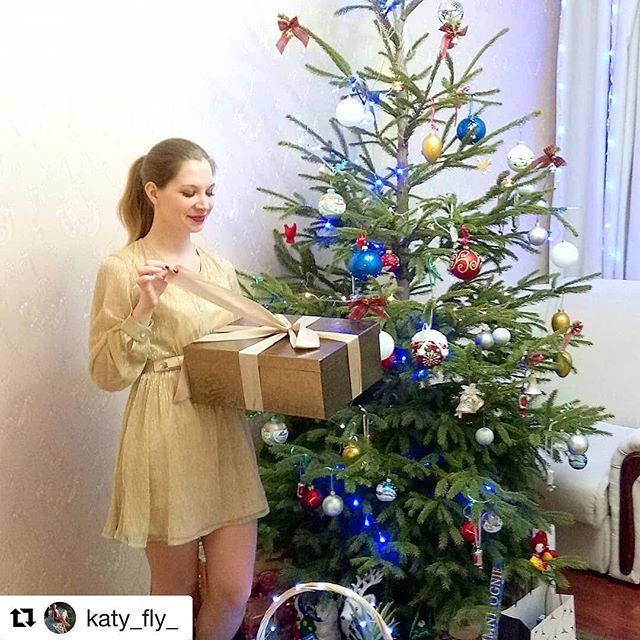 #Repost @katy_fly_ with @get_repost ・・・ Есть праздник, что светлее всех других..С Рождеством!