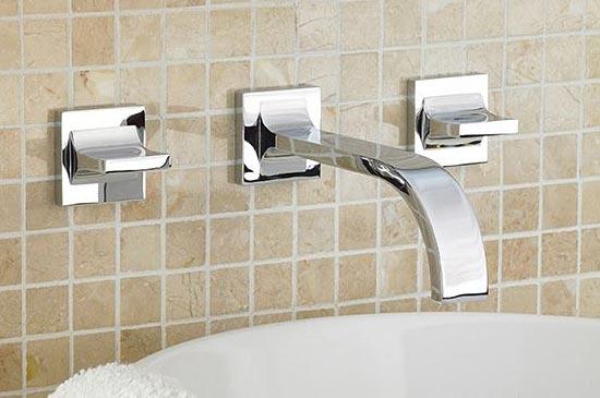 Polished chrome lavatory faucet