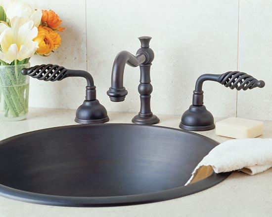 Antique bronze lavatory faucet