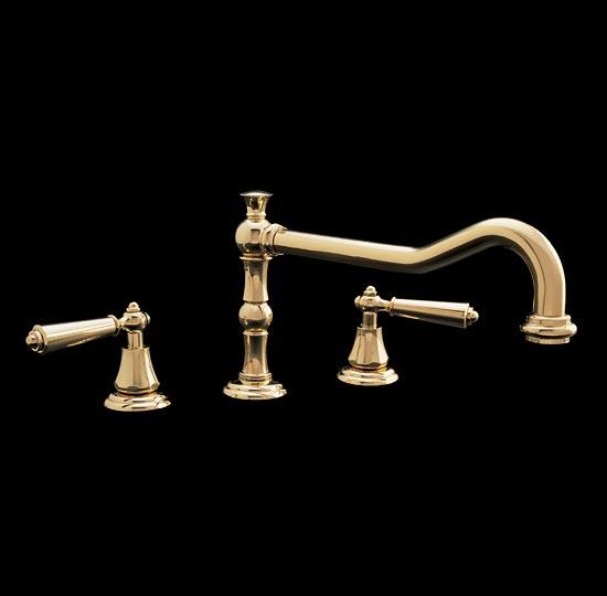 Polished brass lavatory faucet