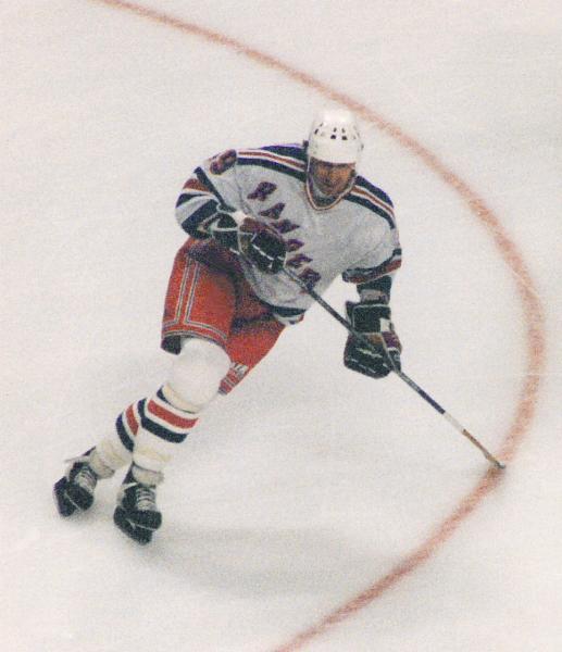 Wayne_Gretzky_1997.jpg