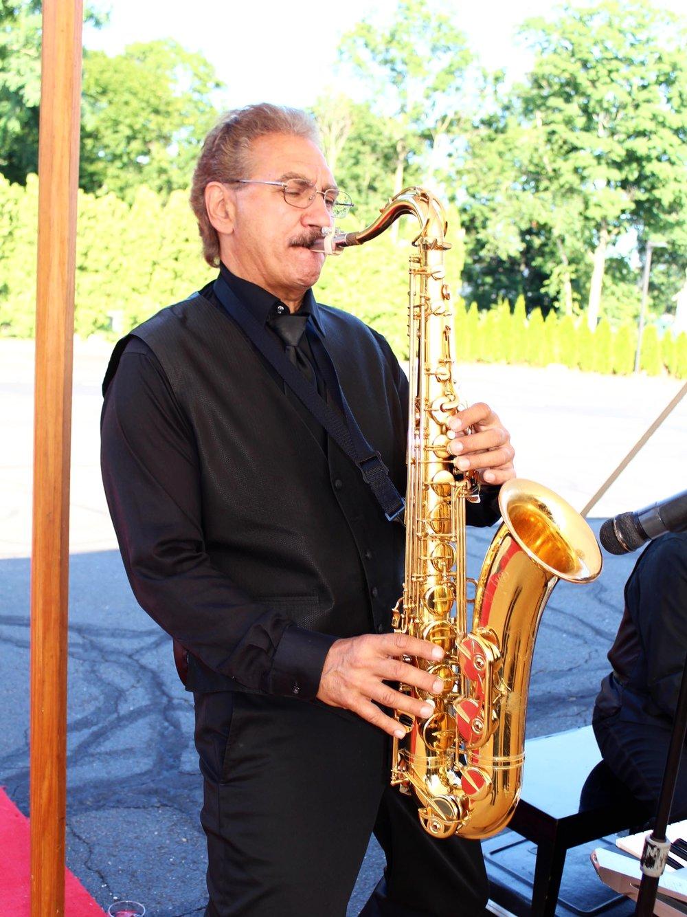 stolen-moments-live-music-jazz-saxophone-08.jpg