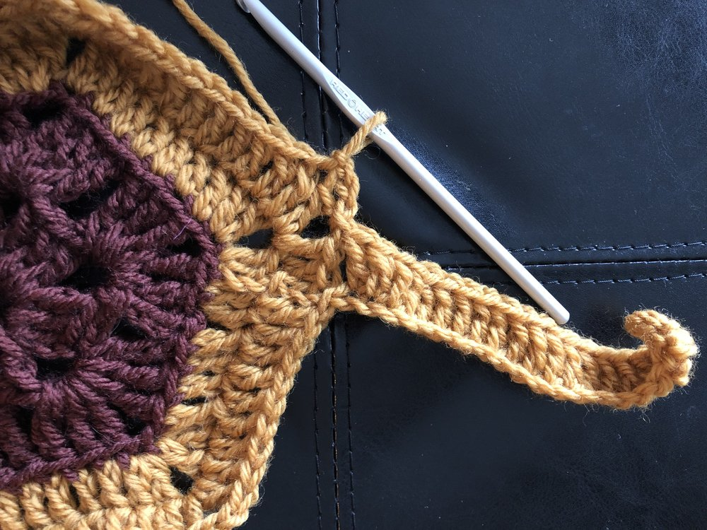 Now, we've chained 3 sts and then anchored into the 2nd dc stitch.