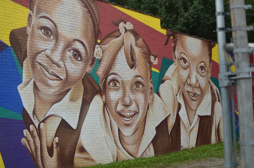 The City Dweller - Street Art - Little Girls 1