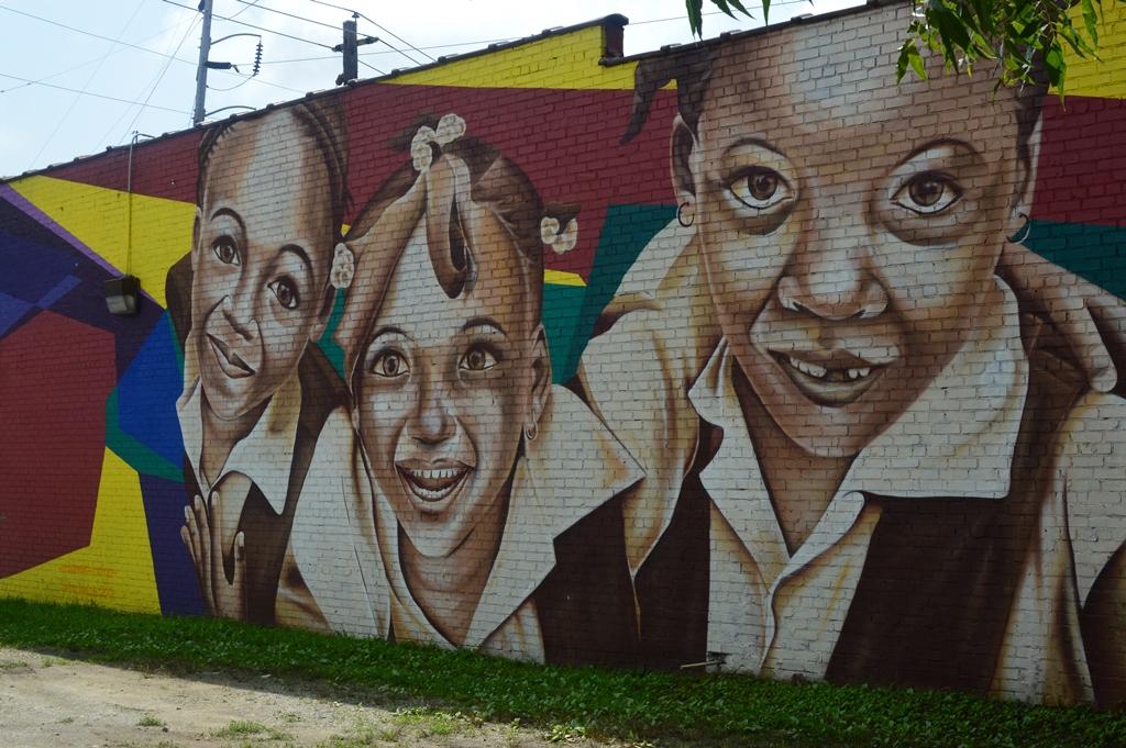 The City Dweller - Street Art - Little Girls 2