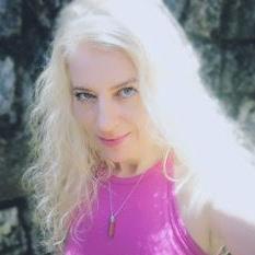 neonilla tarot reader psychic france.png