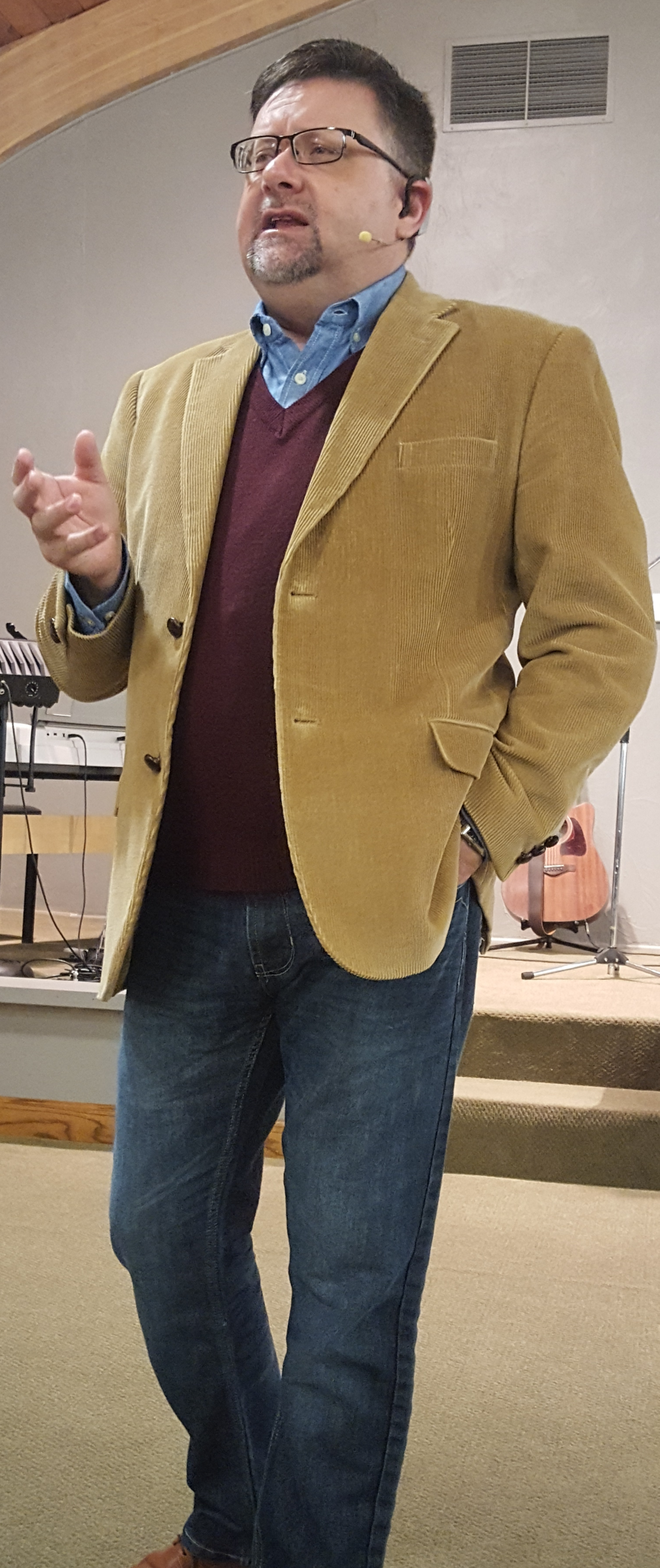 Website Cropped Pic- Pastor Earl.png