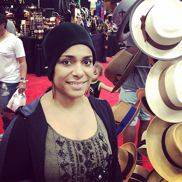 SHE said she can't wear #hats 🤨 Yeah... we didn't agree with  her either!🤣 Its what her #style has been waiting for! 🤩  @inblackexpoinc #indianapolis #indiana #style