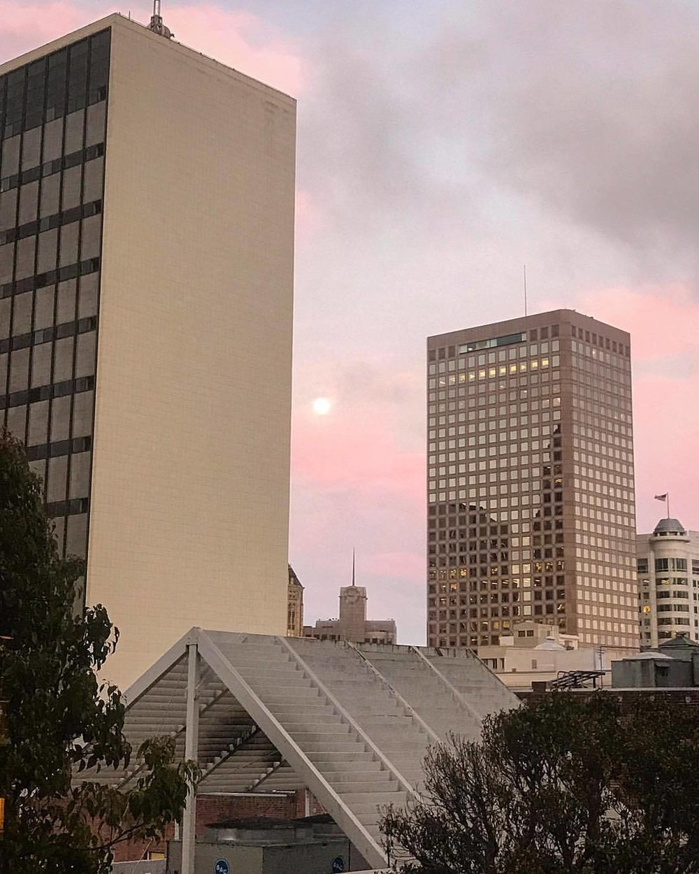 Moon rising behind sunset's fade.  -  #california #strawberrymoon #skygazing  (at San Francisco, California)