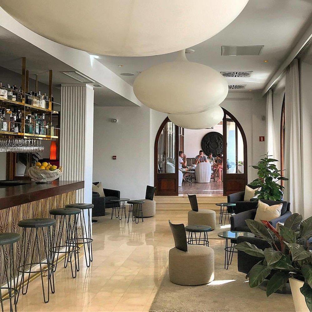 Aperitivo.  -  #spain #mallorca #cafedesign #spanishdesign  (at Port de Sóller)