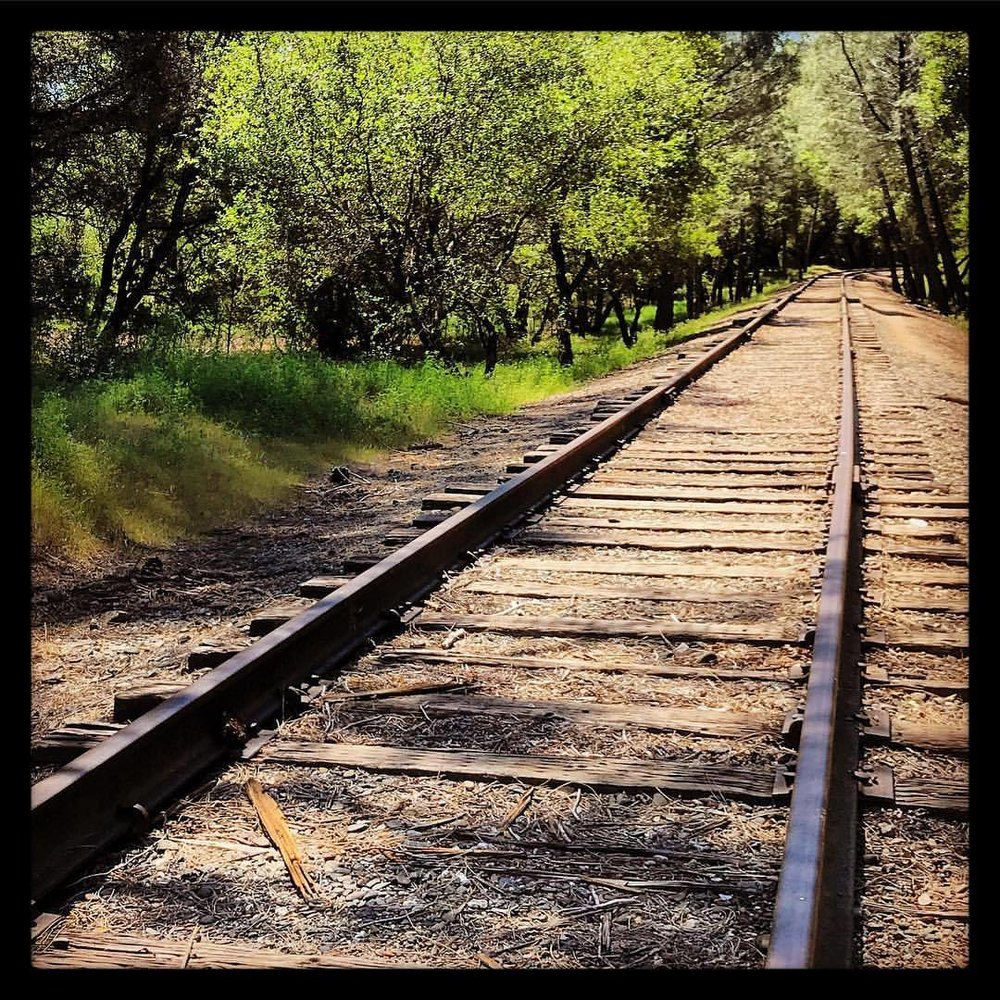 Who determines which side of the track is wrong??  -  #california #wrongsideofthetracks #backroads  (at Diamond Springs, California)