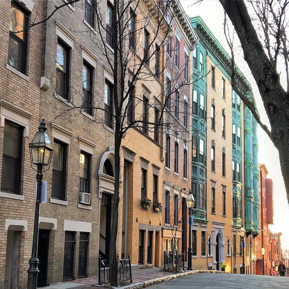 Beacon Hill, Boston.  -  #massachusetts #boston #beaconhill #masshole  (at Boston, Massachusetts)