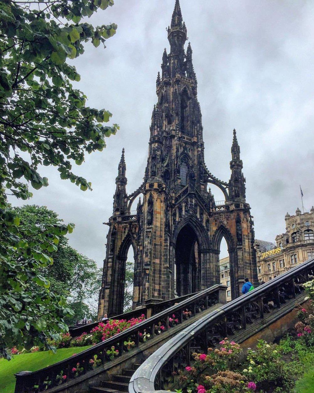 Edinburgh, Scotland.  #walkingholiday #broguesandbeards (at Princes Street Gardens)