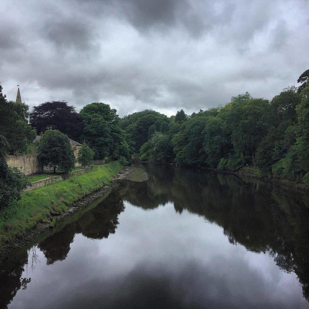 Gray summer day.  #england #uk #northumberland #perfectweatherforhiking  (at Warkworth, Northumberland)