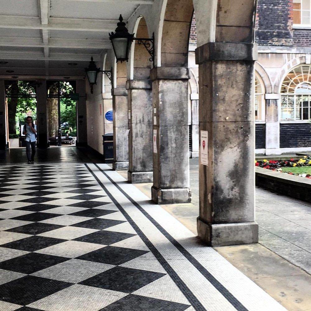 Shortcut.  #london #cityscape #keepcalmandcarryon  (at Guy's Hospital)