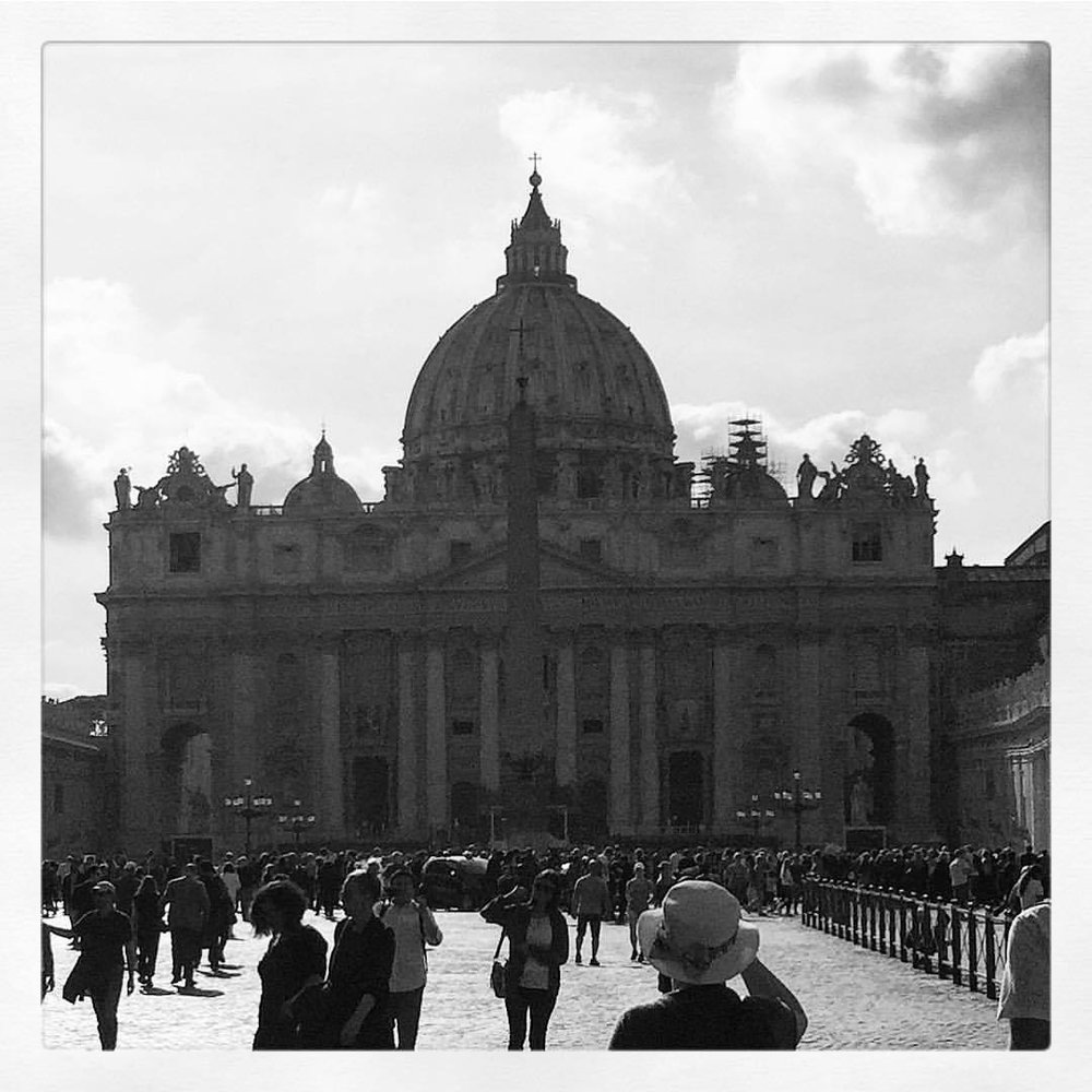Holy Saturday.  #italy #rome #vatican #theyoungpope  (at Vaticano, Roma)