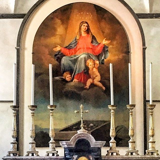 While I'm hard pressed finding unlocked doors on churches in Spain, the doors are swung wide open on even the tiniest chapel in Italy, each a small museum rich in color, tradition and history; a refuge of cool quiet on bustling streets. (at Portofino Ligure)