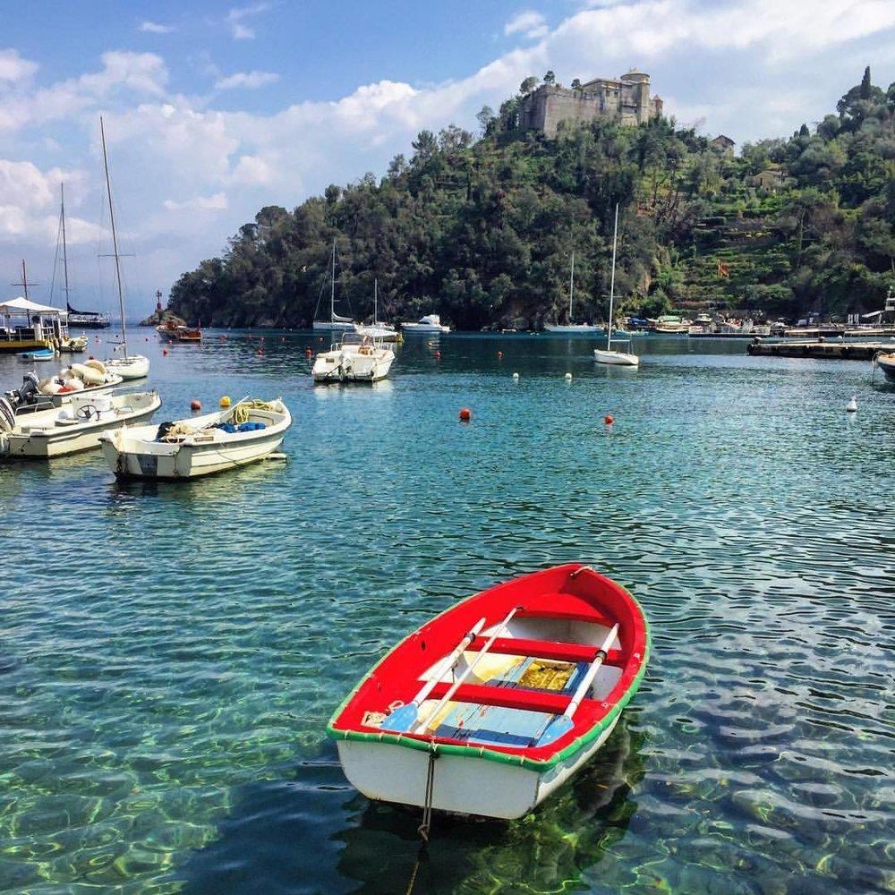 The colors of Italian daily life.  #italy #liguria #boats  (at Portofino Ligure)