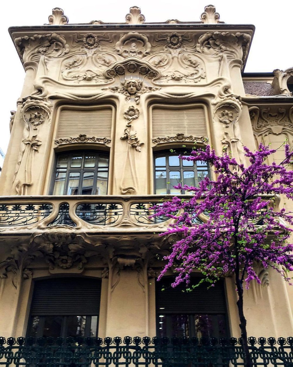 Palacio de Longoria is an Art Nouveau palace that politician and financier Francisco Javier González Longoria ordered to be built in the district of Chueca, in Madrid, Spain.  Longoria contracted the Catalán architect José Grases Riera to design and build it in 1902. It is one of Madrid's most notable examples of modernist architecture, and reminiscent of the work of another great Catalán architect, Antoni Gaudí.  #spain #madrid #architecture #artnouveau  (at Puerta del Sol Madrid)