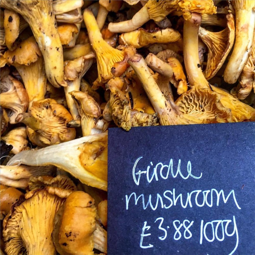 🍄   #england #london #mushrooms #girolles  (at Borough Market)