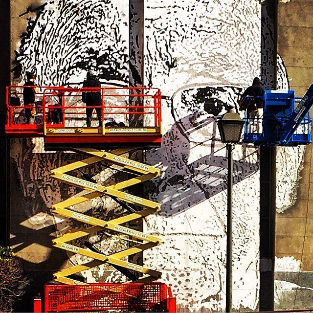 Make art to elevate the spirit.  #spain #madrid #streetart #makeart  (at Puerta del Sol Madrid)