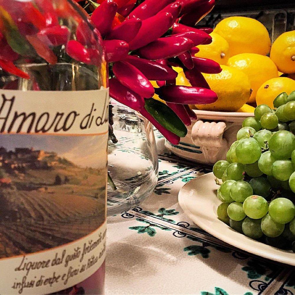 Summer's continuing bounty.  #italy #piedmont #summer #farmersmarket  (at Bossolasco. Via Delle Rose)
