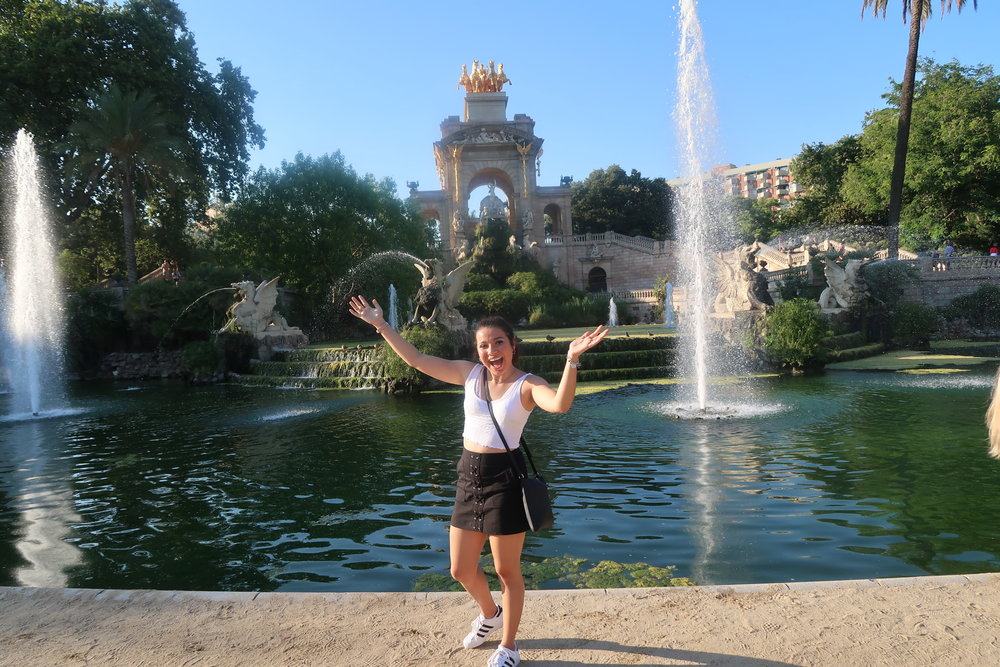 A picture of me in my first backpacking destination: barcelona