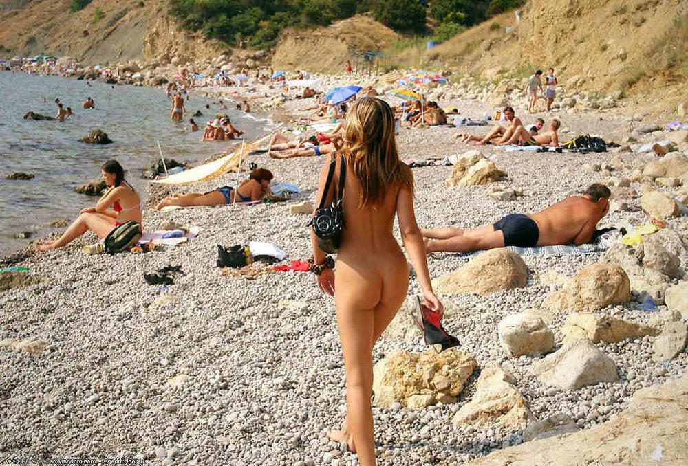 gay_nude_beach_4.jpg