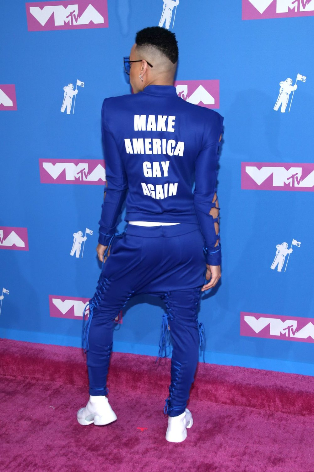 the-sitch-MTV-VMA-Bobby-Lytes2.jpg