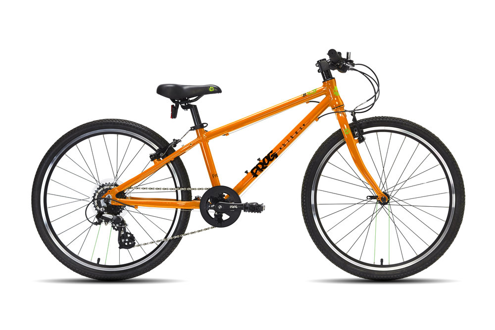 Frog 62 - This 24 inch kids' bike is a great hybrid for 8 or 10 year olds with a minimum inside leg of 62cm