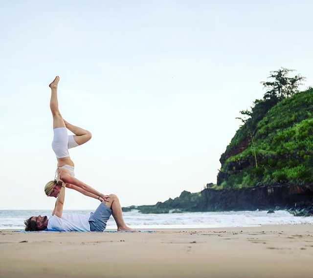 AcroYoga on the garden island with my love #partneryoga #gardenisland #twinflame #foundmysoulmate #kauai